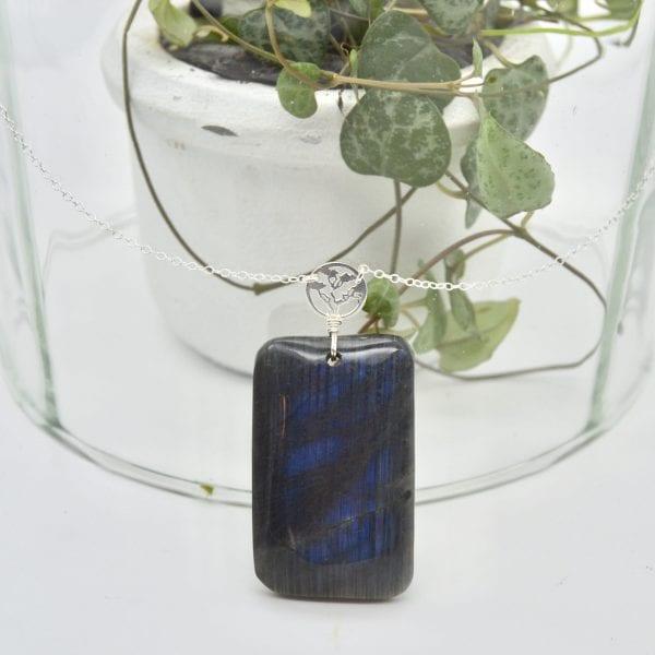 sautoir-labradorite-bleu-foncé-piece-unique-collection-bijoux-pierres-lithoterapie-argent-naturel
