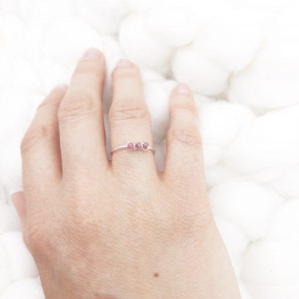 Atelier-tourmaline-bagues-pierres-argent-lithosophie-lithoterapie-soin-des-pierres-Tourmaline-rose-1